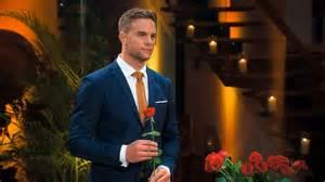 Das große wiedersehen auch auf tvnow verspätet. Bachelor 2020 (RTL): Nach TV-Finale - Sebastian Preuss Arm ...