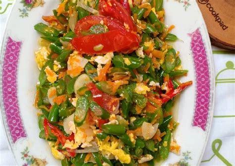 Terakhir tambahkan irisan daun bawang. Resep Tumis buncis orak arik telur wortel oleh DapurNarisCaramels - Cookpad