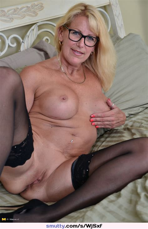 Mom Mommy Tease Hot Glasses Pussy Granny