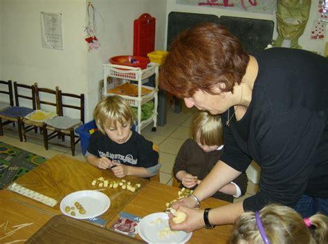 cuisine maternelle ateliers cuisine en maternelle le des maternelles