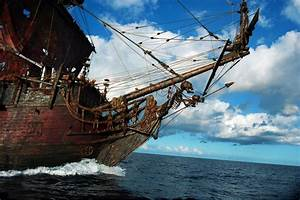 Pirates of the Caribbean: On Stranger Tides - Ship - HeyUGuys