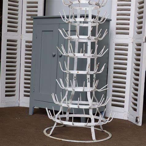 meubles de cuisine vintage ancien égouttoir à bouteilles hérisson en métal peint en blanc lignedebrocante brocante en