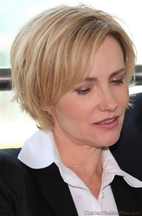 Short haircuts for older women 10 new styles to try