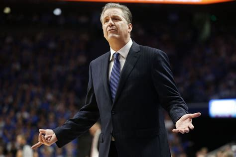 No. 14 Kentucky tops Alabama 76-67 for 1,000th SEC victory