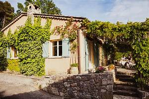 Airbnb France Contact : you can now rent and cook in julia child s provence cottage the seattle times ~ Medecine-chirurgie-esthetiques.com Avis de Voitures