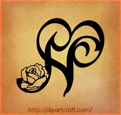 tatuaggi lettere s wave roses
