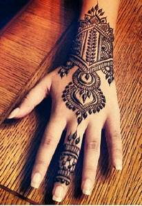 16, Most, Beautiful, And, Different, Styles, Of, Back, Mehendi, Designs