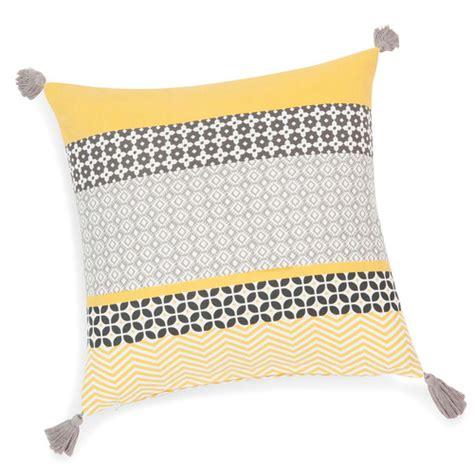 housse de coussin 224 pompons en coton jaune grise 40 x 40