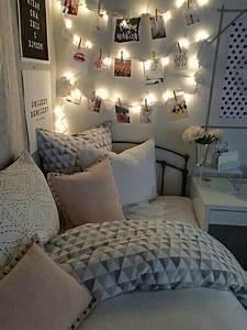 Tumblr Zimmer Lichterketten : best 25 tumblr bedroom ideas on pinterest tumblr rooms room inspo tumblr and bedroom inspo grey ~ Eleganceandgraceweddings.com Haus und Dekorationen