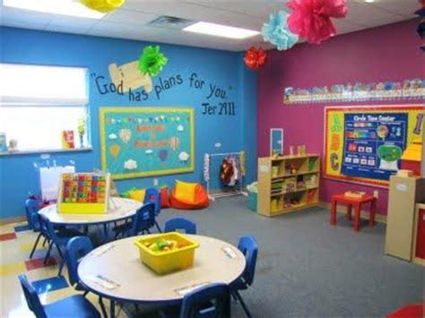 wall color ceiling hanging poms bible verse maybe we 264 | 8e10a73d3402632d059a6aec9d0db6d1 preschool classroom decor preschool rooms