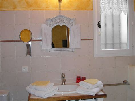 chambre hote luberon tournesol chambres d 39 hôtes luberon le clos des lavandes