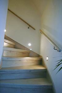 Indirekte Beleuchtung Treppe : der treppenhandlauf bei einer treppenrenovierung ~ Pilothousefishingboats.com Haus und Dekorationen