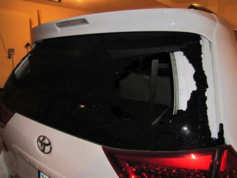 toyota sienna rear windshield exploded  complaints