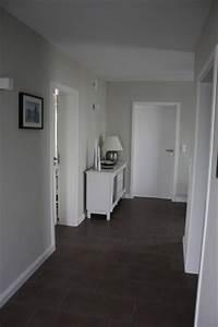Graue Fliesen Welche Wandfarbe : die besten 17 ideen zu flur farbe auf pinterest flur ~ Lizthompson.info Haus und Dekorationen