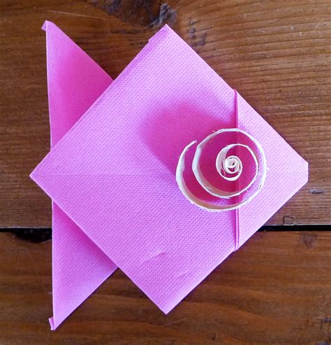 pliage de serviette de table en forme de poisson origami poisson serviette en poisson plier