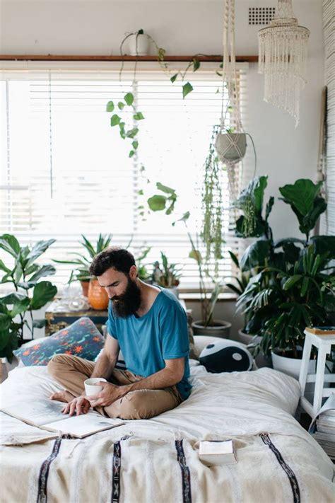 Plants In Bedroom by Best 25 Plants In Bedroom Ideas On Bedroom