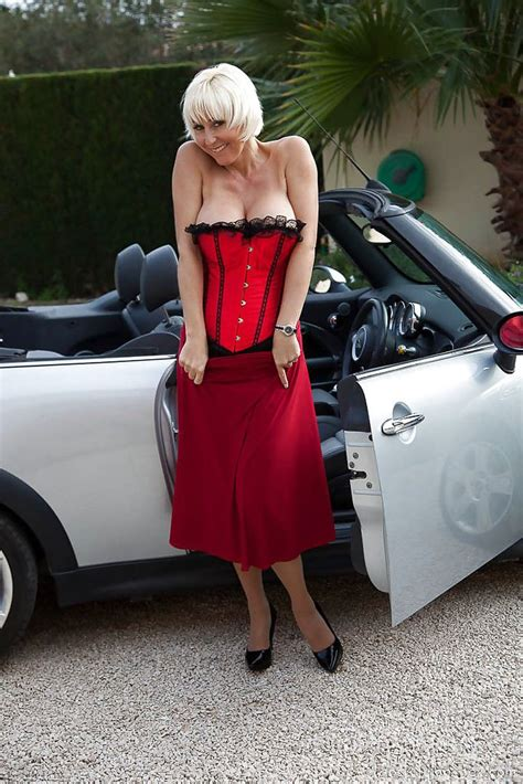 Hot Euro Lady Jan Burton Flashing Stocking Tops And Garters Outdoors At Mature Pussy Pro