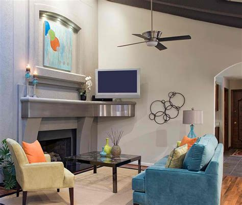 22 Living Rooms With Metal Wall Decorations  House. Cute Living Room Decor. Tv Room Design Living Room. Window Treatments For Small Living Rooms. Stove Ideas Living Room