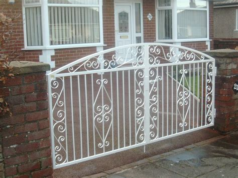 wrought iron garden gate photo gate arch thames