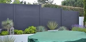 cloture jardin plaques de beton peintes en gris anthracite With trompe l oeil exterieur jardin 7 habiller les murs de son jardin