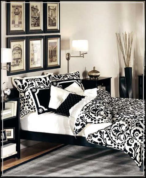 Dramatic And Exotic Black And White Bedroom Ideas Home