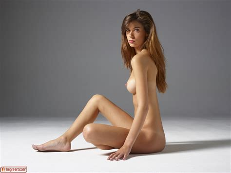 Victoria R In Classic Nudes From Hegreart Photos
