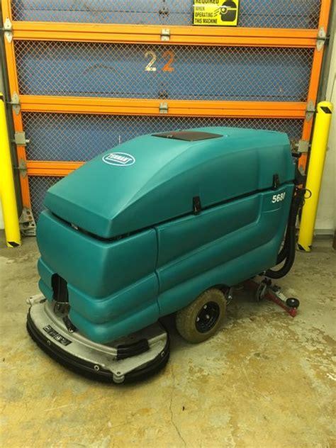 Used Tennant Floor Machines by Refurbished Tennant 5680 Walk Floor Scrubber