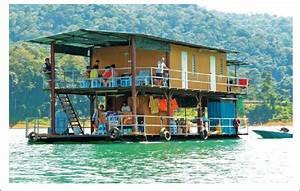 The Picture Of Boat House In Kenyir Lake