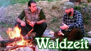 Grillen Und Chillen : zwei m nner im schwarzwald wandern grillen und am lagerfeuer chillen youtube ~ Orissabook.com Haus und Dekorationen
