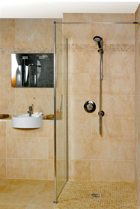 Walk In Shower - advantages and disadvantages of a curbless walk in shower