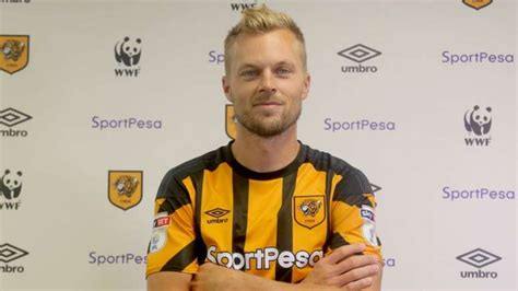 Hull City sign Seb Larsson - BeSoccer