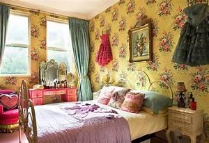 Vintage bedroom wallpaper decosee