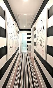 Help For A Long Boring Hallway {and what not to do
