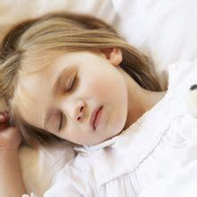 quel siege auto 1 2 3 a quel âge bébé dort sans couche
