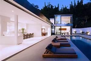 Modern LA Residence with Minimalist Interior Design