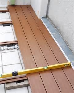 balkon holzboden verlegen hochwertige baustoffe wpc dielen verlegen auf balkon