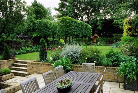 how to make small backyards look bigger