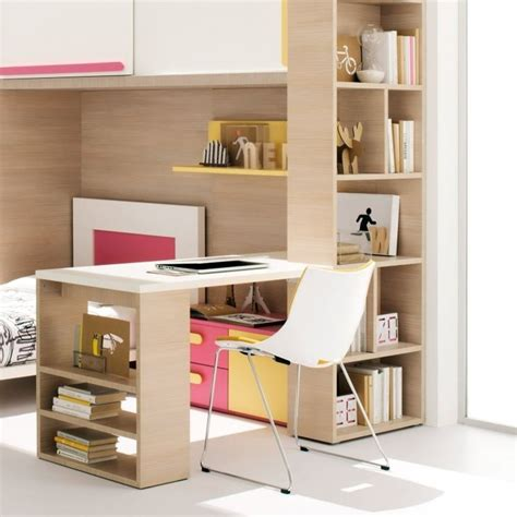 scrivania per cameretta scrivania cameretta funzionale e colorata camerette moderne