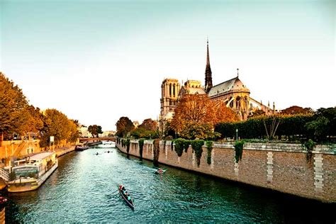 Bateau Mouche Seine River Cruise by Seine River Cruise Bike Tours Bike And Barge Trips In France