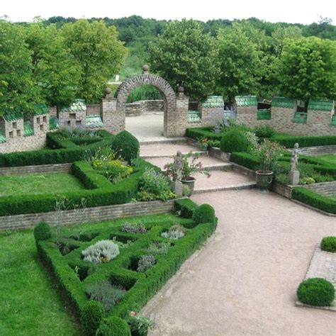Best 25+ French Formal Garden Ideas On Pinterest French