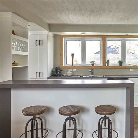 comptoir ilot cuisine îlot sureleve avec comptoir de stratifie table d 39 îlot