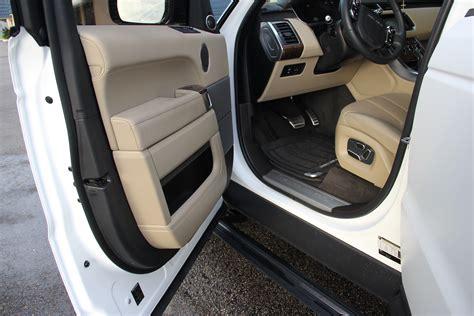 range rover matte white  gloss black wrap