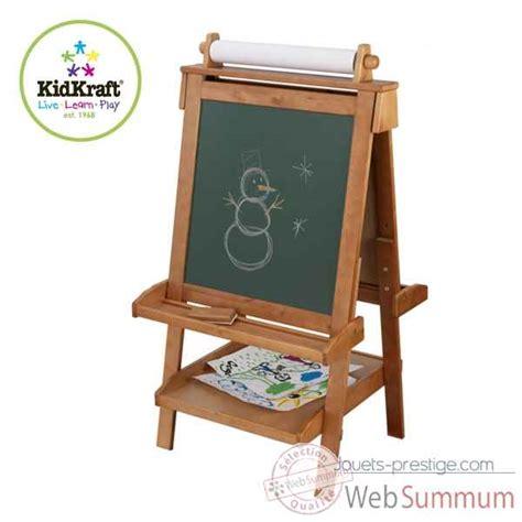chevalet cuisine chevalet réglable en bois kidkraft dans cuisine enfant