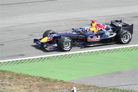 formel 1 rennwagen datei formel1 rennwagen redbul racing hockenheim 2006