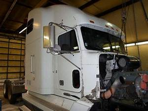 1997 Freightliner Fld120 Salvage Truck For Sale
