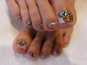 The extraordinary style of nail art work now and make your toe nails