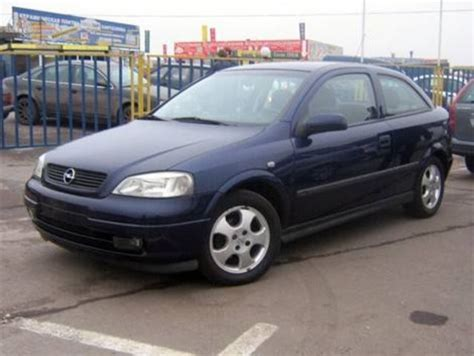 Opel Astra 2000 by 2000 Opel Astra Pictures