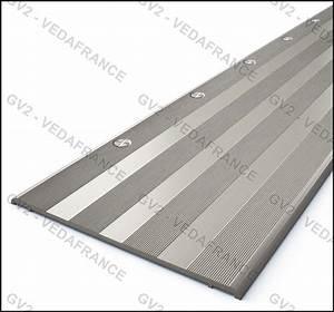 baguette aluminium castorama faux plafond aluminium With carrelage adhesif salle de bain avec profile ruban led exterieur