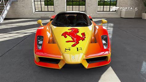 Ferrari Enzo Ferrari de TRF Tuning 80 dans la vitrine de ...