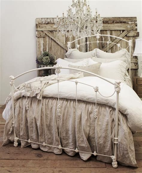 Country Chic Bedroom by Best 25 Country Chic Bedrooms Ideas On